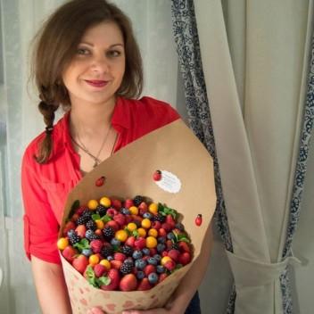 купить букет из свежих ягод в москве